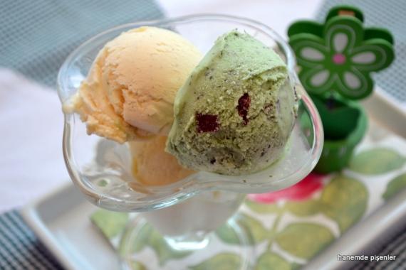 çikolata parçacıklı naneli dondurma