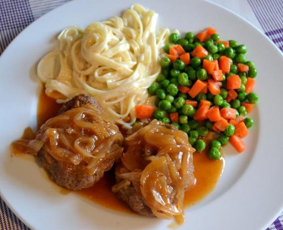 soğan soslu biftek köfte