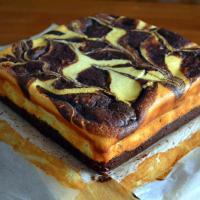 Çok lezzetli bir siyah beyaz, brownie cheesecake